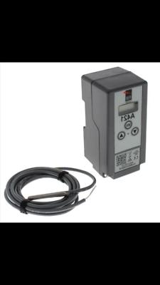 JOHNSON CONTROL ELECTRONIC THERMOSTAT with/ off cycle-defros